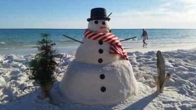 Snowman enjoying holidays in central florida